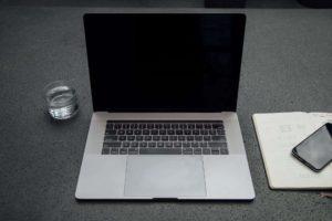 【手垢】ノートパソコンのキーボードをキレイに掃除する方法