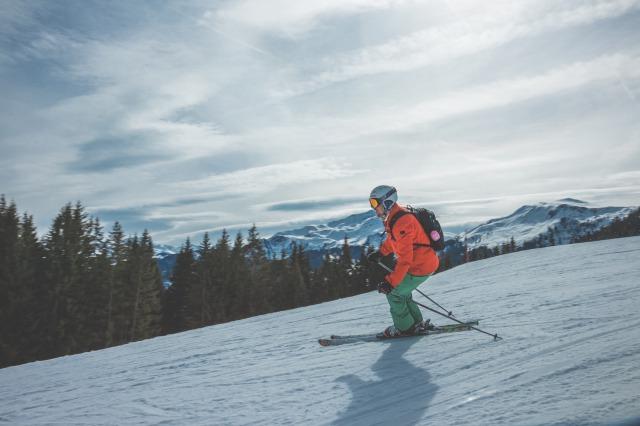 ノースフェイスのスキーウェアはどれが最適なのか